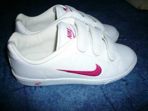 dámské tenisky a botasky